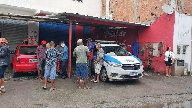 Bar onde Suspeito de praticar assaltos foi morto a tiros após perseguição em Feira de Santana