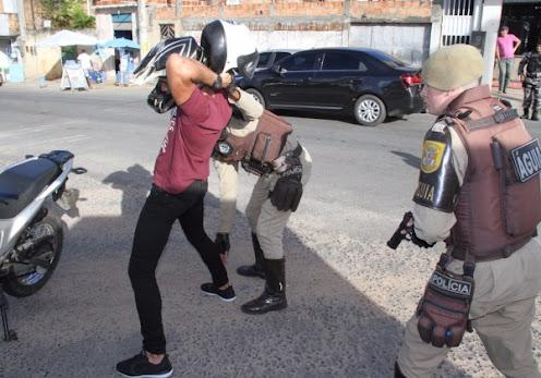 Defensoria lança nova versão de cartilha sobre abordagem policial