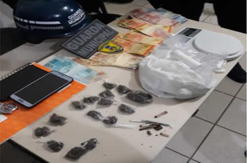 Drogas e prisão na Praça Norberto Aurich em operação da Guarda Municipal – Vitória da Conquista BA