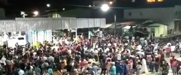 """""""Fim do Coronavírus em Firmino Alves?"""": Festa com cinco paredões animam o aniversário da cidade: Assista o vídeo"""