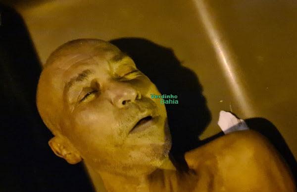 corpo de Erivaldo Custódio dos Reis homem que morreu e amigo culpa o Samu