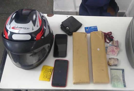 Morador de Ipiaú dispensa sacola com drogas e tenta fugir da PM em Itagibá – BA