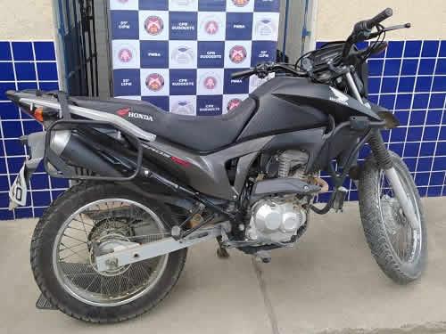 Motocicleta roubada é recuperada e suspeito preso pela PM em Ipiaú – BA