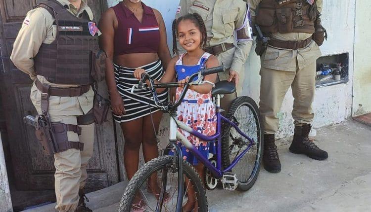 No dia do amigo a Ronda Maria da Penha fez surpresa e presenteou criança com bicicleta – Jequié Bahia
