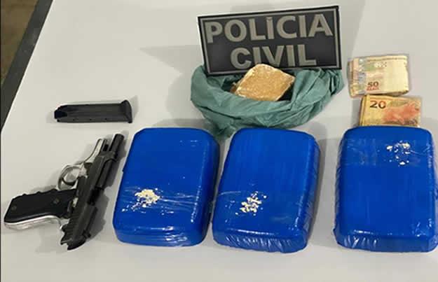 Jovem de 18 anos é presa com tabletes e pedras de crack e pistola em Irecê – BA