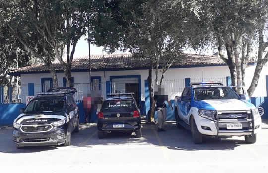 PM prende Homem de 52 anos acusado de abusar de adolescente de 12 anos – Alcobaça – BA