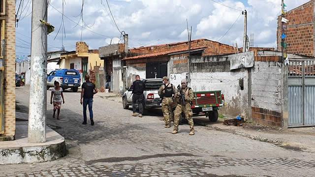 Polícia Civil realiza operação para combate ao tráfico de drogas no bairro Queimadinha