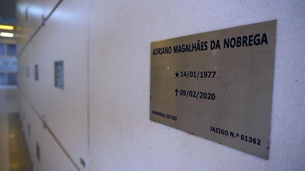 Polícia diz que corpo do miliciano Adriano não estava no cemitério indicado pela família na hora da exumação