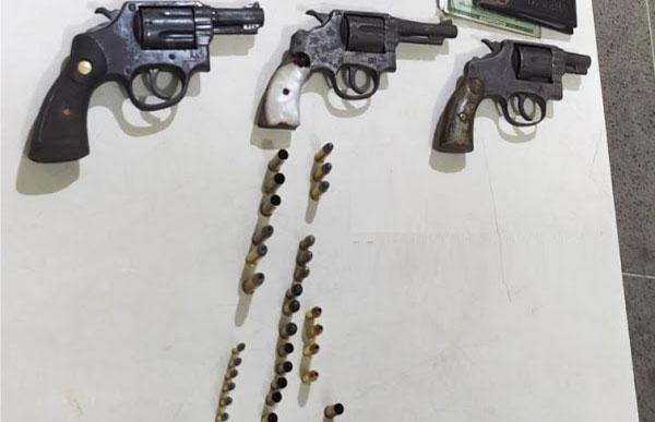 Três traficantes são baleados em troca de tiros com a PM no Jardim América em Itabuna
