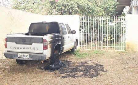 Veículo da ADAB é incendiado em Itapetinga – BA