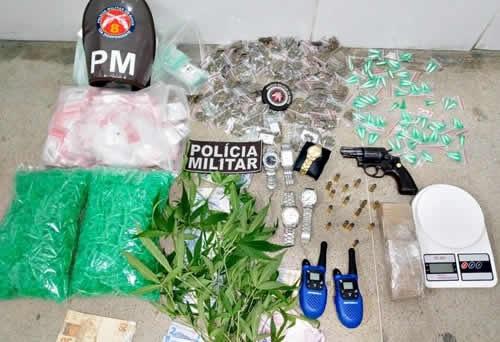 Três pessoas são presas pela Polícia Militar no município de Itapetinga - BA