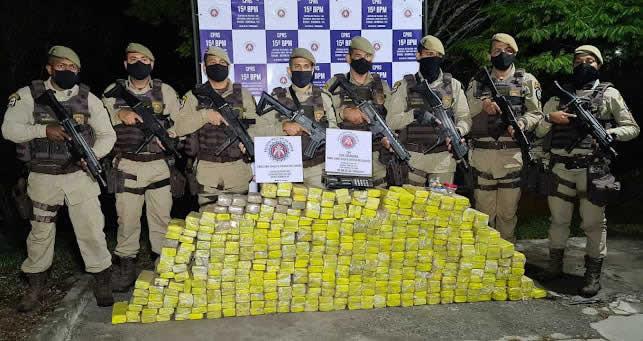 Polícia apreende grande quantidade de drogas em cemitério de Itabuna – BA