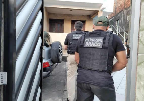 Polícia cumpre mandados de prisão em operação contra quadrilha envolvida em sequestros na BA